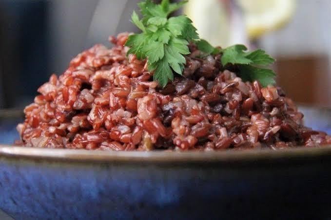 Comida de Bután - Arroz rojo