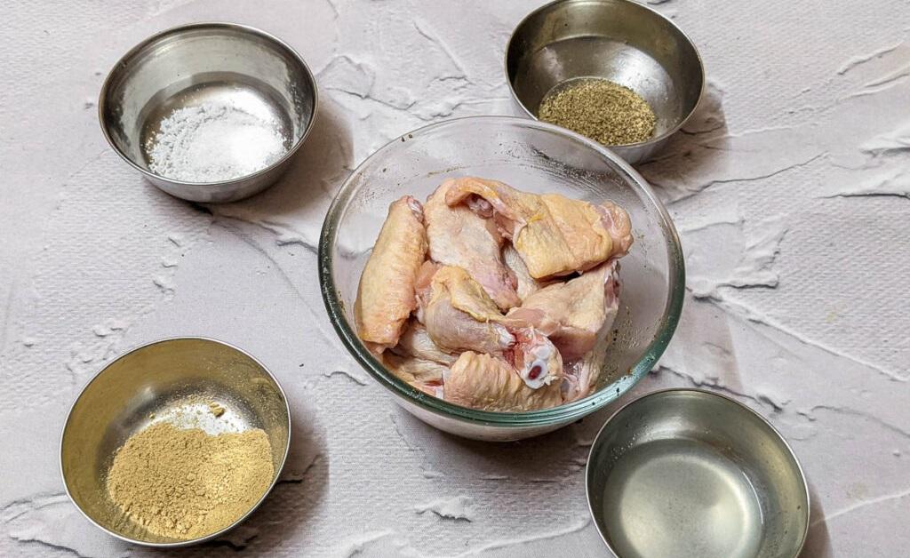 Alitas de pollo con limón y pimienta